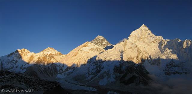 Гималаи на рассвете