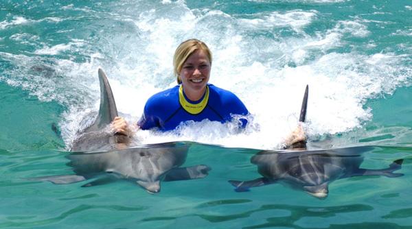 тренер дельфинов