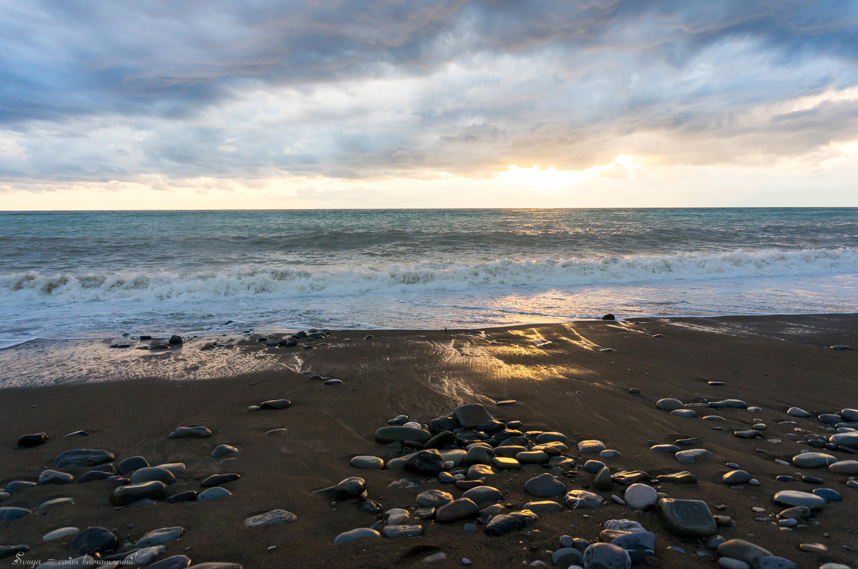 золотой пляж в Лазаревском